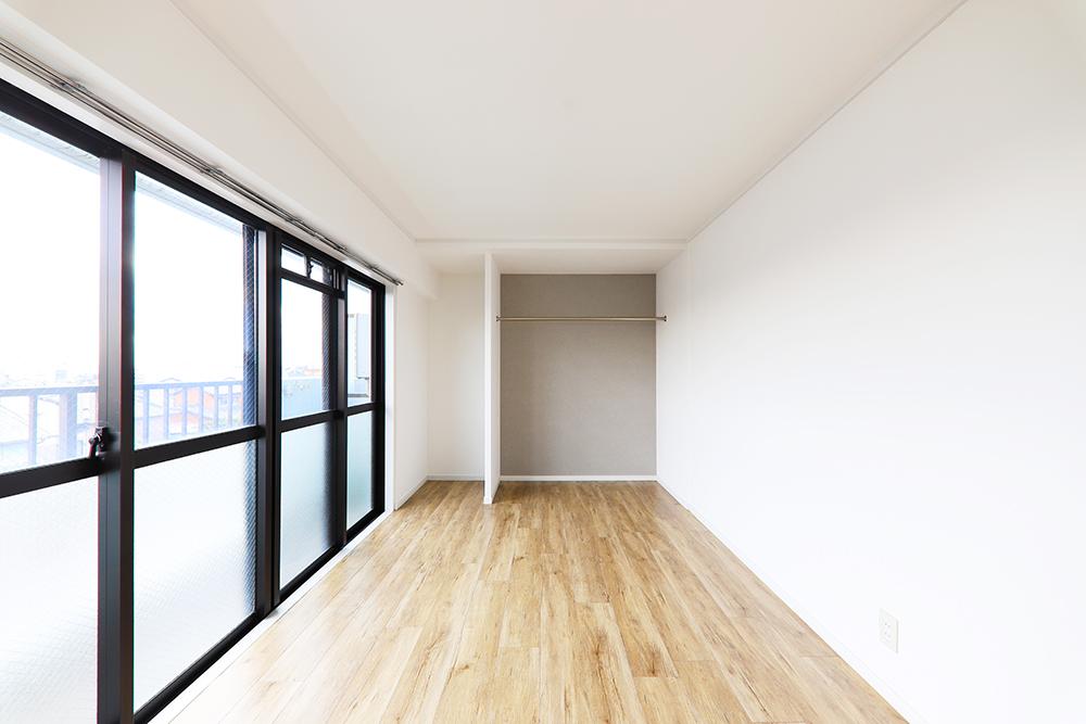 Room-2-(2)